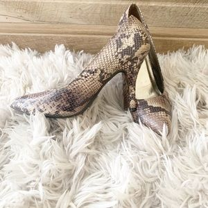 Shoes - Snake skin heals. Size 9